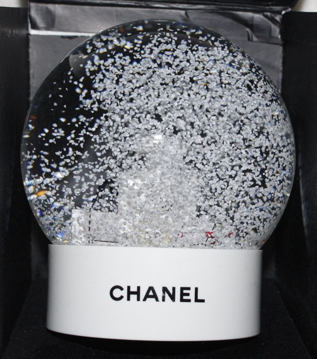 Chanel no.5 Snow globe - Glass