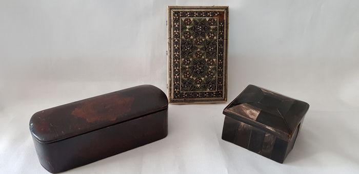 Antique boxes, including business card box - 3 - Bone, paper mache and horn