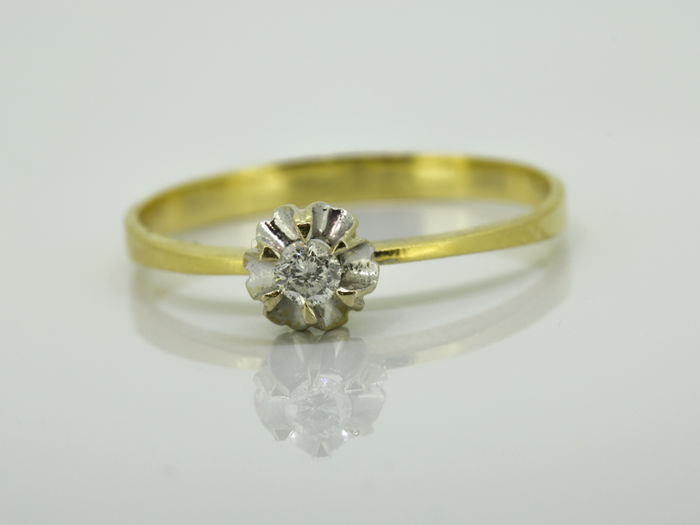 Solitaire - Gold 18 kt - Diamond 0.09 ct