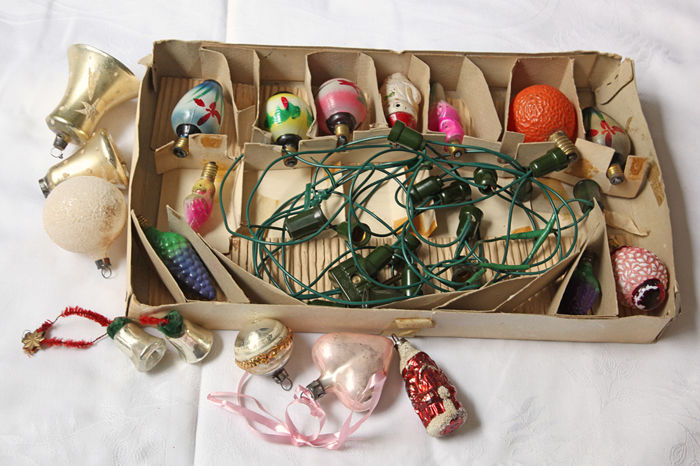 Old Christmas lights and 7 baubles - glass