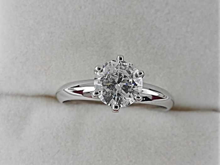 1.01 carat D/SI1  Round treated Diamond Solitaire Engagement Ring - No Reserve
