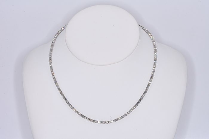 10.44 Ct Tennis Diamond necklace, 18kt gold, 45 cm. No reserve price.