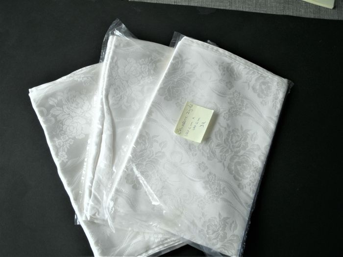Tablecloth - collection of 3 - silk