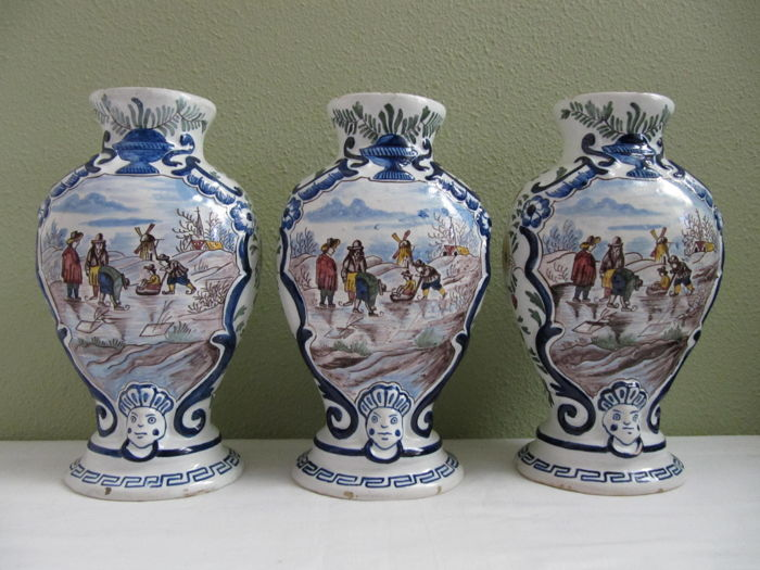 Roos - Majolica hand-painted vases - set of 3 - earthenware