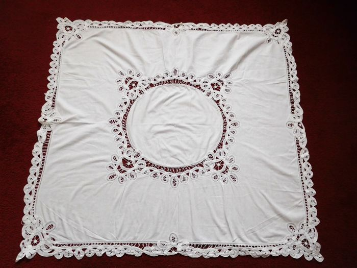Crafts, maker unknown - tablecloth - cotton