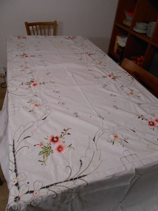 Large cotton tablecloth embroidered with openwork, 1950 - Cotton