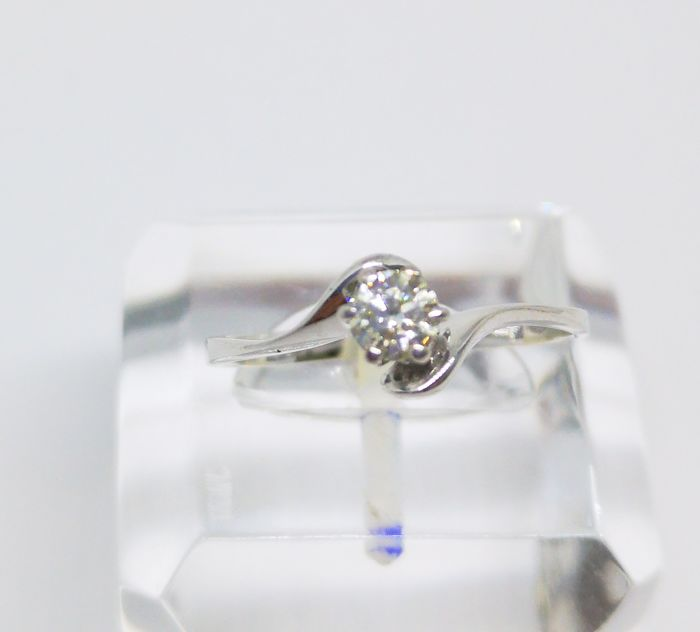 Cocktail ring in 18 kt white gold with a central 0.26 ct diamond - VS2 clarity - I colour - Tatum size 15