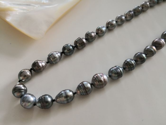 Tahitian Pearls necklace 9-10 mm drop shape natural color and luster, 42 pieces.  No reserve
