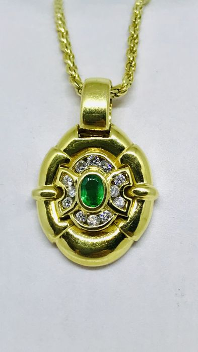 Necklace with pendant - Gold - Emerald and Diamond