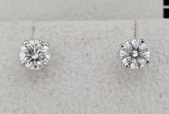 Earrings - White gold - Commonly treated - 1.20 ct - Diamond