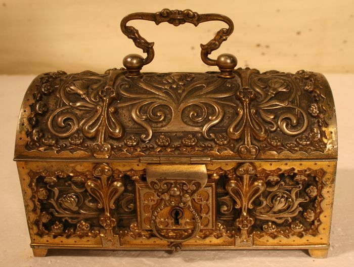 Jewellery box - Bronze (gold-plated / silver-plated / patinated / cold-painted)