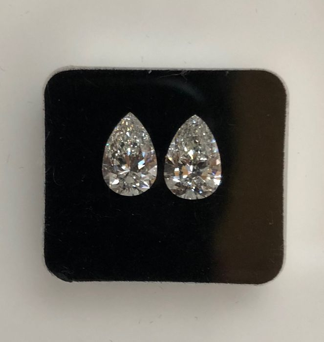 2 pcs Diamonds - 2.16 ct - Matching Pair - Pear Brilliant - G - SI1 GIA Full Certified + Laser Inscription
