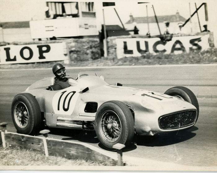 fotograaf - 2 x 1955 British G.P Mercedes Fangio and Moss  - 1955-1955 (2 items)