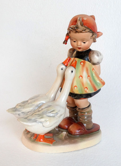hummel girl with geese