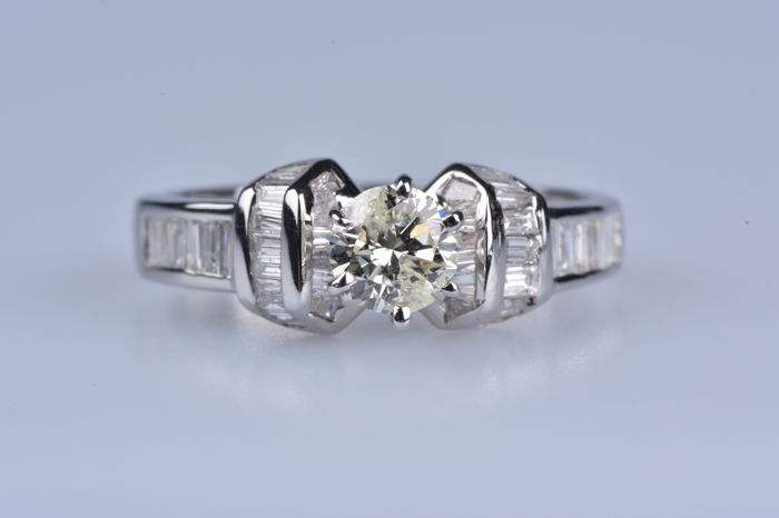 18 kt. White gold - Ring - 0.81 ct Diamond