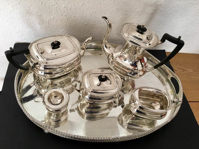 Coffee and tea service, Tableware  - Silver (6) - .915 silver - 4.140Kg. - Spain - Second half 20th century