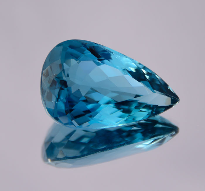 "Topazio ""London Blue"" - 47.67 ct"