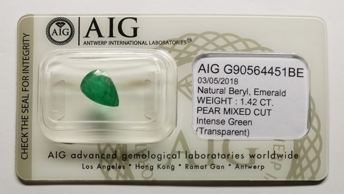 1 pcs Intens Groen Smaragd - 1.42 ct