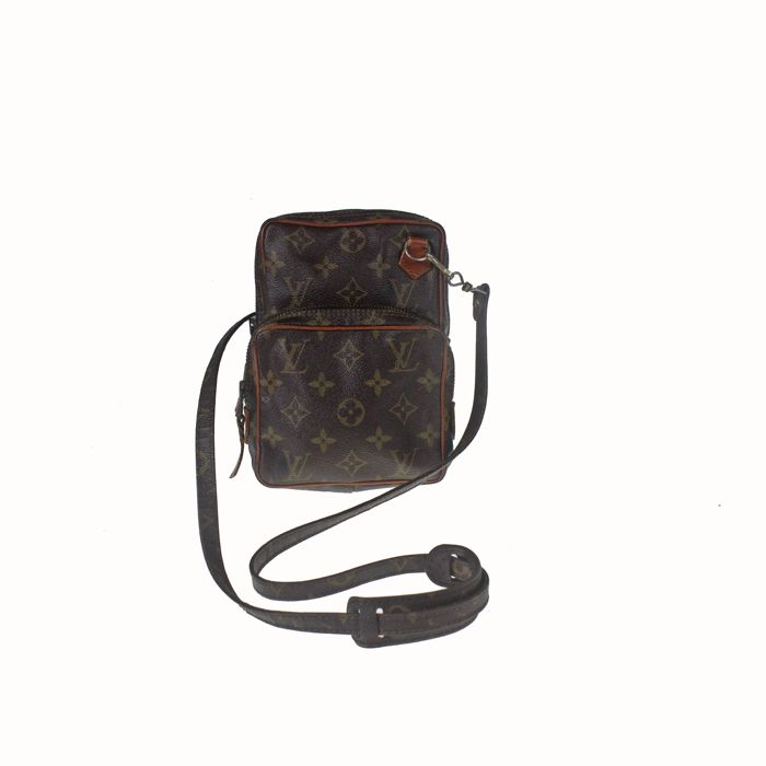 82f80ef98216 Louis Vuitton - Monogram Amazon Vintage Crossbody bag - Catawiki