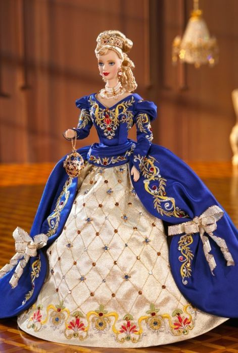 Fabergé ™ Imperial Elegance ™ Barbie ® Doll 1997 - 22K Gold plated Tiara and Faberge Egg for sale