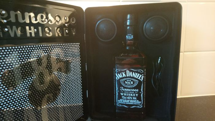 Jack Daniel's  - Old No 7. Music box - b. Early 20th century - 70cl