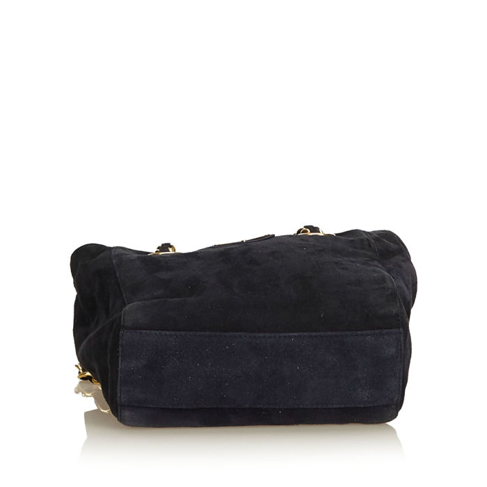 1c4e1590fc7974 Prada - Suede Chain Shoulder Bag - Catawiki
