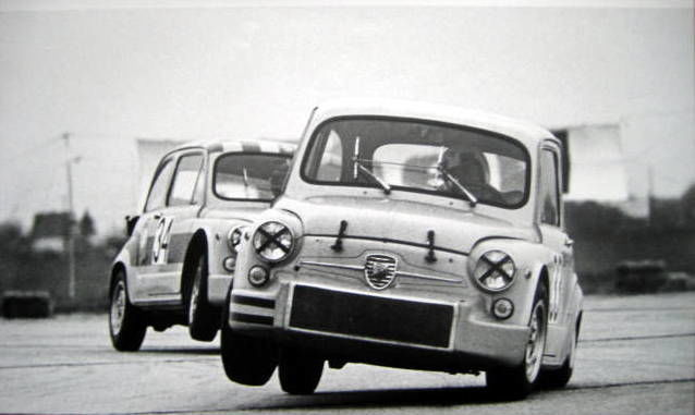 Historisch/Zeldzame race Print - Abarth 1000TC/Hezemans #33 - Airfield Aspern - 1968 (1 items)