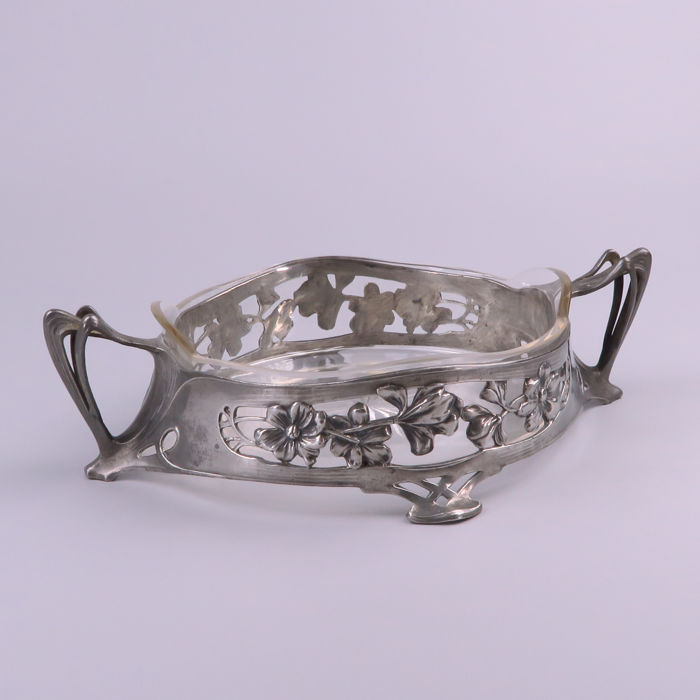 B&G imperial Zinn - Art Nouveau pewter fruit basket - dish