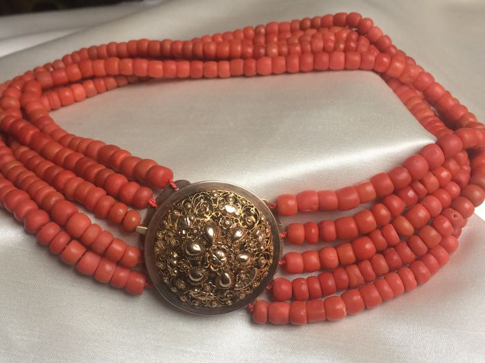 Coral - Necklace