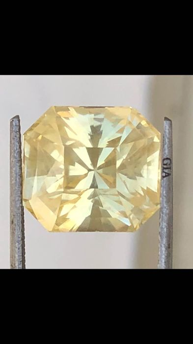 Amarillo Zafiro - 15.40 ct
