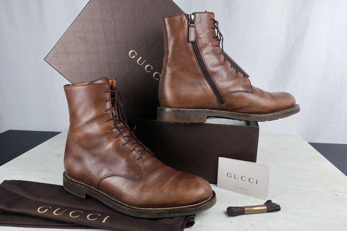 b58434836d8 Gucci - Leather Delon Boots - Catawiki