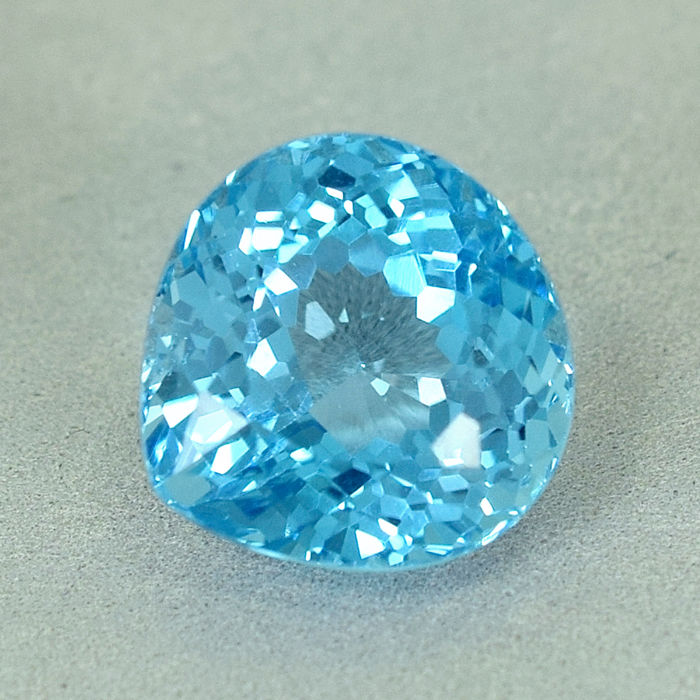 Zwitsers blauw Topaas - 20.18 ct