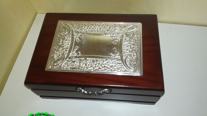 Jewelery box in inlay in silver foil - 1 - Wood and inlaid silver foil - Italy - 1975-2000