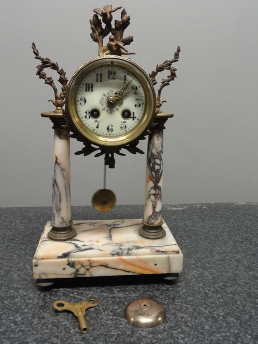 French pendulum - Marble and Bronze - Second half 19th century