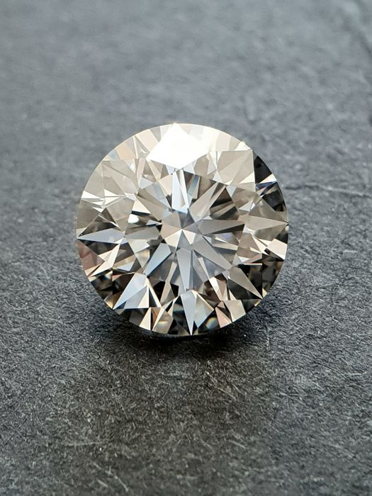 Diamond - 2.06 ct - Brilliant - J - VVS1