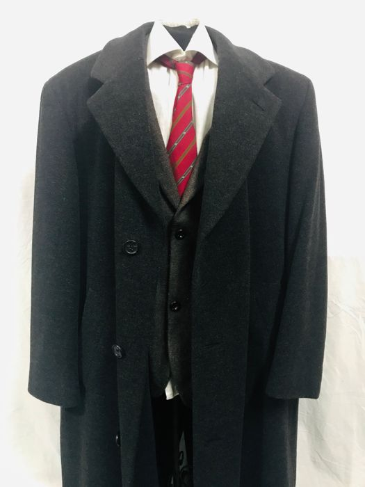2c135c8ed812 HUGO BOSS - Virgin Wool coat - Catawiki