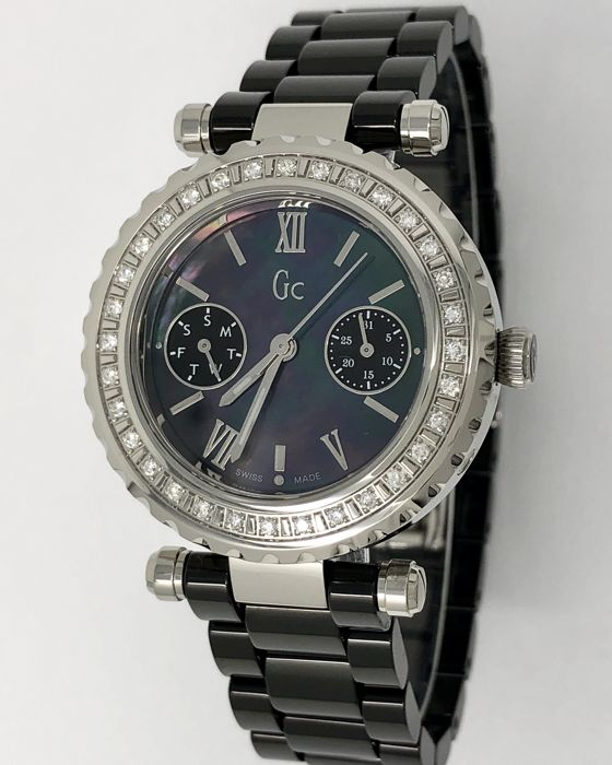 """Guess Collection - GC 32 DIAMONDS Diver Chic Black Ceramic Swiss Made  - """"NO RESERVE PRICE"""" I01200L2 - Femme - 2011-aujourd'hui"""