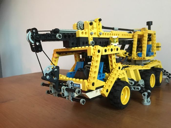 lego technic 8460 pneumatic crane truck pneumatic. Black Bedroom Furniture Sets. Home Design Ideas