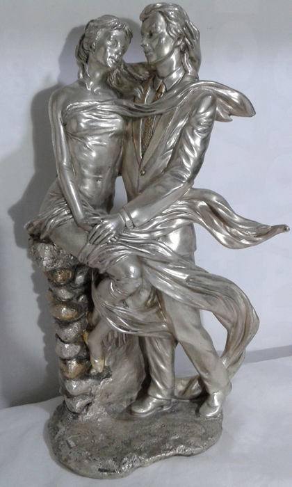 Large sculpture of lovers, with a signed base. - Silverplate - Italy - 1950-1999
