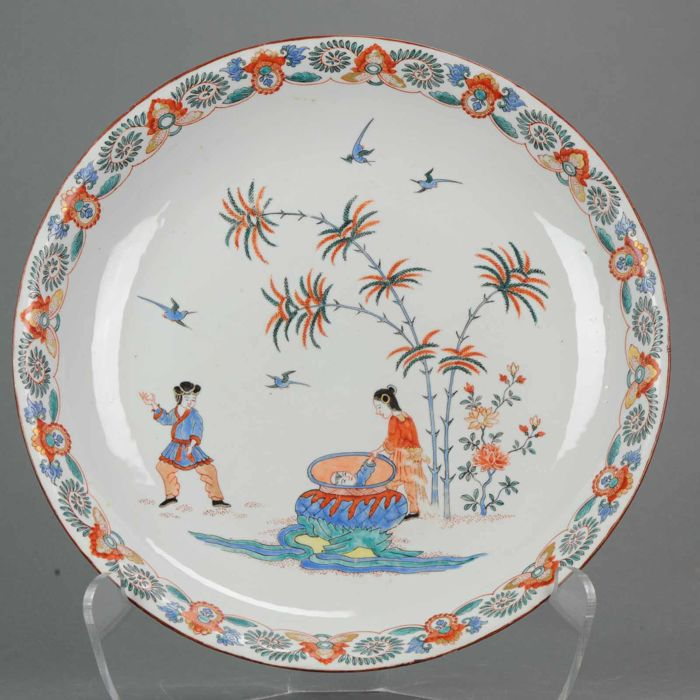 Grote schotel - Porselein - Dutch Kakiemon decor - China - 18e eeuw