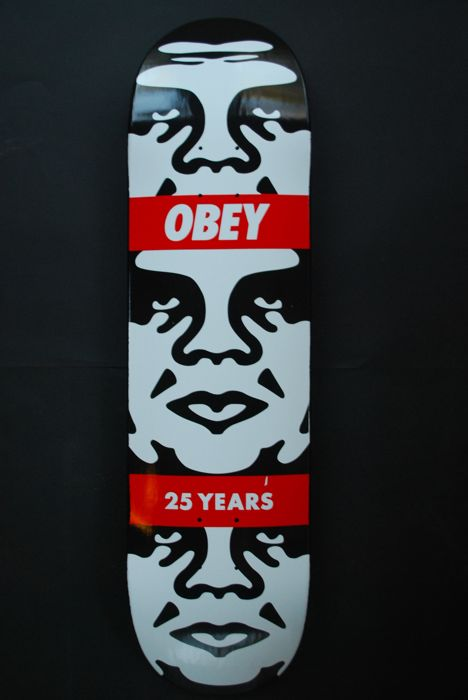 Shepard Fairey (OBEY) - OBEY 3 Face 25 Years Skatedeck
