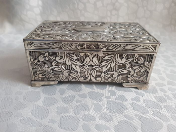 jewelry boxes (1) - Silver plated - U.K. - 1900-1949