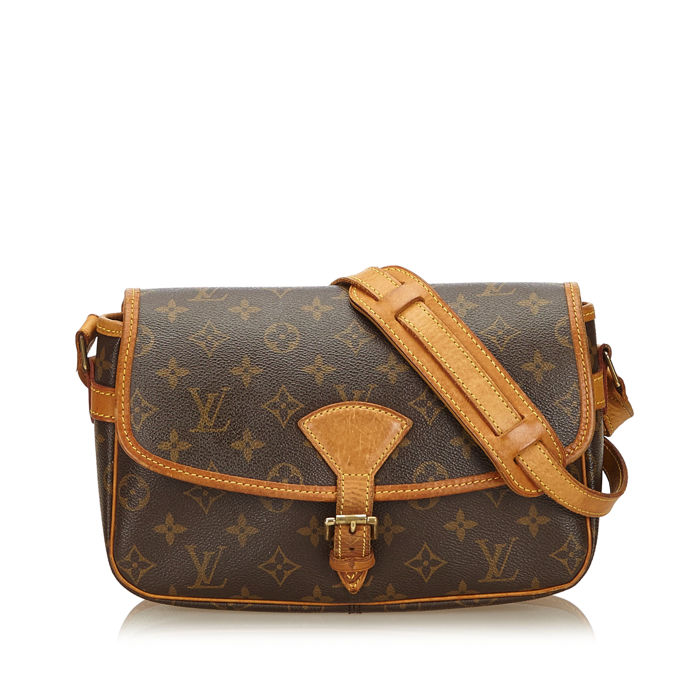 5757aee02d31 Louis Vuitton - Monogram Sologne - Catawiki