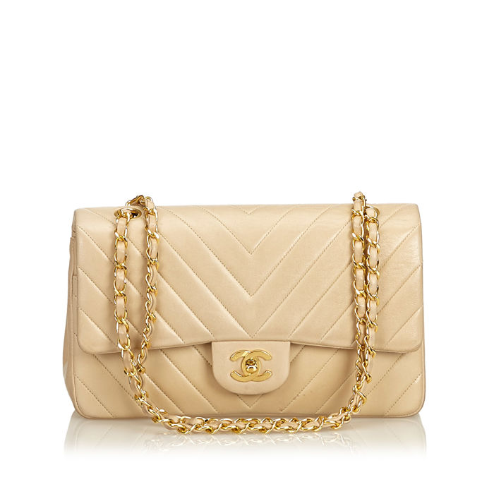 3c732e6d5e71f7 Chanel - Chevron Medium Double Flap Bag - Catawiki