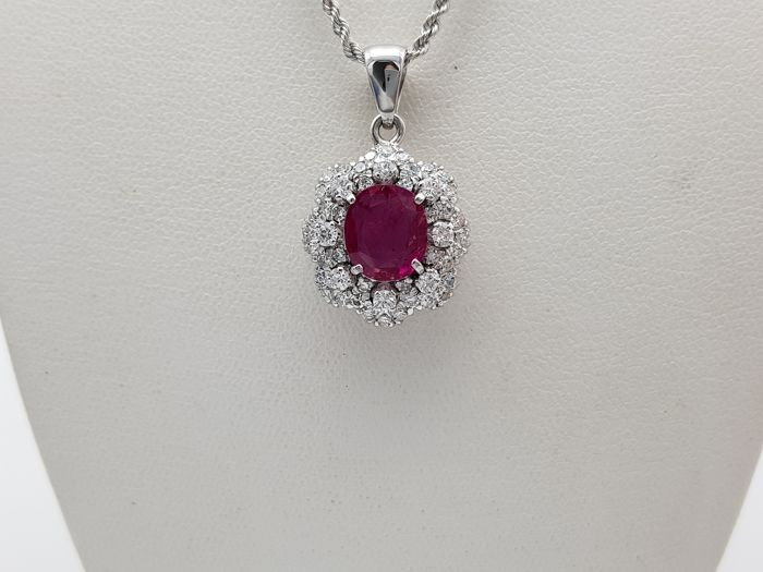 Gold, White gold - Necklace, Necklace with pendant - 2.50 ct Ruby - Diamond