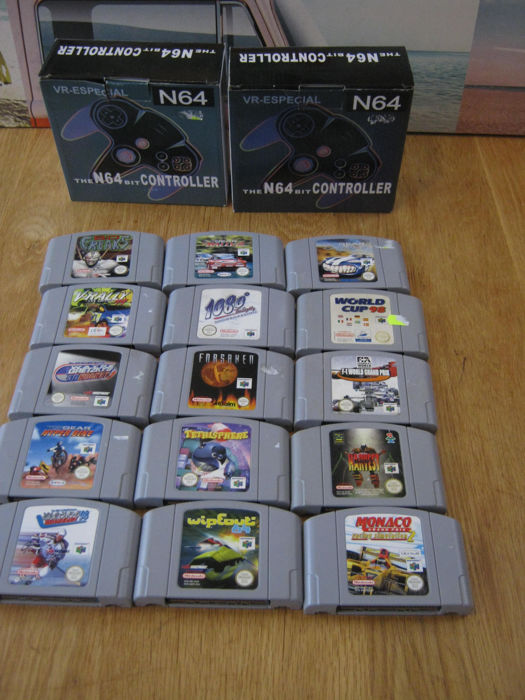 Nintendo - N64 games and 2 (new) controllers (15) - In