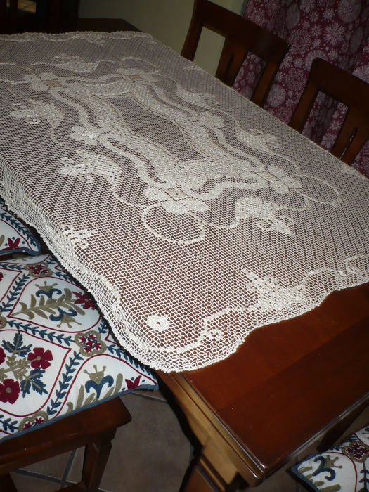 Filet tablecloth (1) - Romantic - Cotton - mid 20th century
