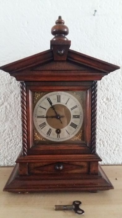"""""""Silent"""" - English table clock - 2nd period 1900 - Wood"""