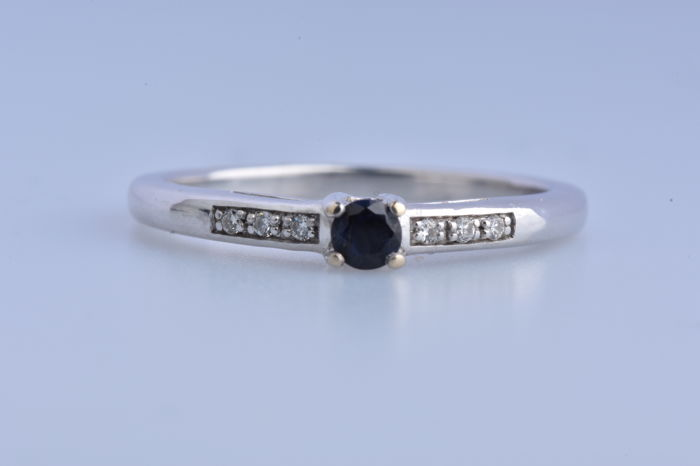 18 quilates Oro blanco - Anillo - 0.06 ct Zafiro - Diamante