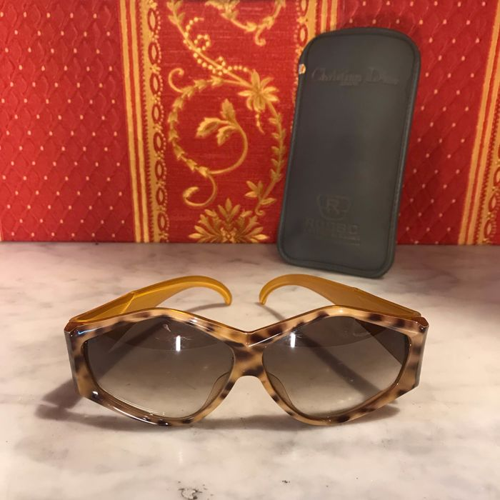 198638f364f3 Christian Dior Glasses - Catawiki
